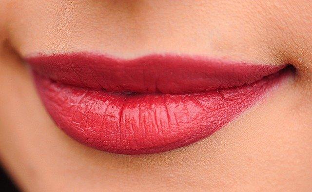 Jak dopasowac kolor szminki
