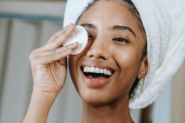 Codzienna pielegnacja twarzy